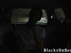 Di Nate Richards tenta di gestire due cazzi neri