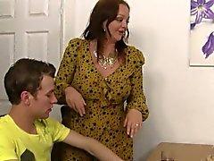 Él engañando a esposa gran titted a plumper