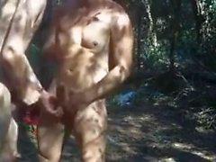 skog gangbang..reality utomhus kön