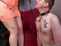 Sara jayen knullar en svart kuk På Font av henne Cuckboy