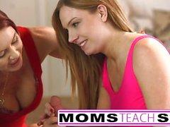 Steg för mom knullar sonen in het trekant sex tape