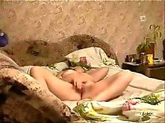 Verborgen cam gevangen grote masturbatie van mijn geile moeder