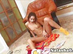 brunet solo masturbation on webcam