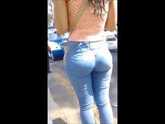 Colita en jeans
