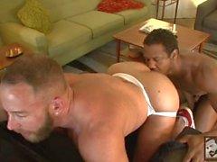 Black muskler Arons knullar buggar bubblan anliggande Tank Shays Michaels