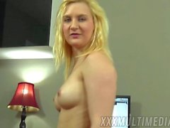 Deepthroating her boss's cock and swallowing his load