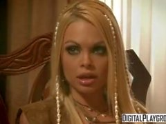 Classic Pirati 2: Jesse Jane e Belladonna in caldo sesso lesbico ruvido