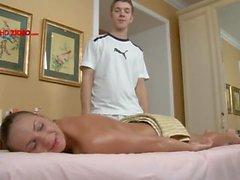 De Amy Reid a commence avec un Salon de massage et se termine par un creampie Vide