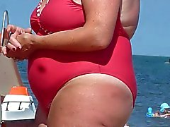 bbw hiry granny spied on the beach