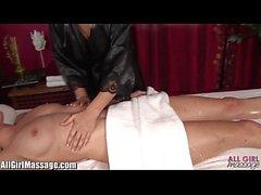 Madison Ivy lesbianas coño lamiendo toda la chica de masaje compilación