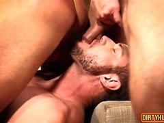 Muscle Homosexuell Dreier mit Creampie