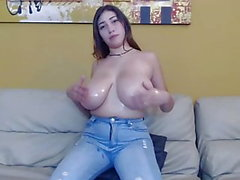 Erittäin Busty Latina Teen Does Hardcore 1