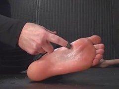 Jeune garçon Tickled par Older Man