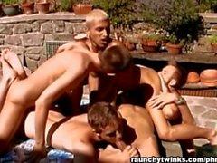 Della festa di compleanno Gay Orgie