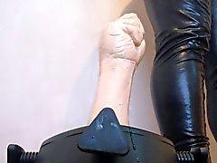 Gummifaust verdammt harten - Verwendung einer neuen Ständer Arsch verderben