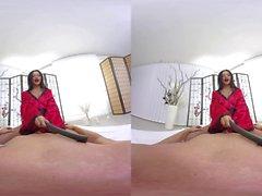 Nena hambrienta de polla Amanda Black monta una gran porno VR