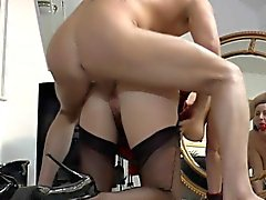 Highheeled older brit cum