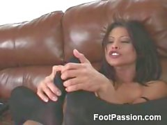 Jayna Oso Has Foot Fetish