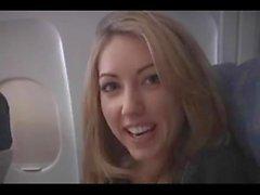 Sarah Peachez - Flugzeug blowjob