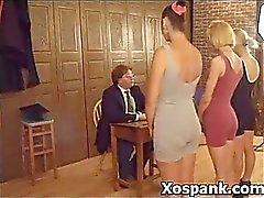 O pintainho palmada de selvagens impertinente Sadista de sexo