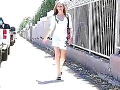 Fotze Reiben öffentlich mit Teenager geile blonde