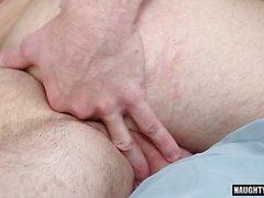grosse bite gay sexe oral avec éjac segment film 10