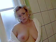 Fet bröst i euro Pyramid gjuta Miyoko ur 1fuckdatecom