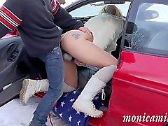 MonicaMilf de breaksown carro no inverno Noruega