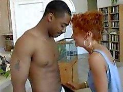 Olgun amatör milf karısı ırklararası aşk