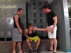 Big dick gay trio com gozada