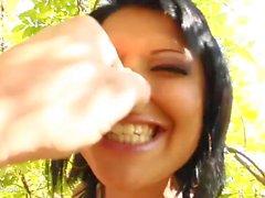 Intercambio de esperma de Perfect Gonzo presenta Maya Bee Beatrix intercambiando cum
