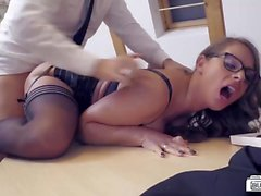 BUMS BUERO - Valentines Day office fuck with German MILF