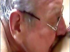 Şişman yaşlı erkekler sarışın babes sıkı kedi iner