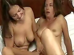Äldre och unga lesbisk II