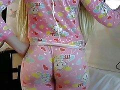 Blond PAWG big butt ass em leggins apertado