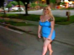 Chubby chica rubia oscurecida por un matón colgado porno interracial