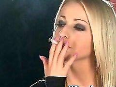 Demütig Mädchen Raucher Wildniss XXX