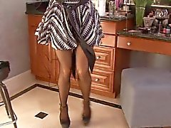 Jiggle o tetas massiva como a mãe de Kelly de Madison retira gown esfregue clitóris dela