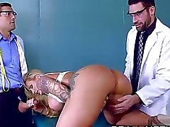 kendi doktor DP alıyor seksi büyük titted MILF Ryan Conner
