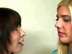 Carmenin pyydettyä Jennan imevien pois hänen BFS vaikea schlong