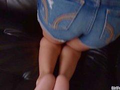 Sasha Foxx Teases You With Her Gorgeous Feet