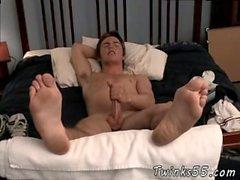 Fußball Junge beraubt Homosexuell Wunderschöne Fitch & His Big Feet