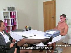 Amateur guy fucks female agent in stockings