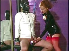 Lecherous breezie with a quirky bermuda triangle punishes her slave's prong