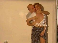 seducendo Lattoniere mentre il suo marito del bagno !