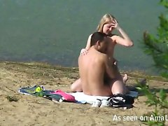 Hardcore babe fucks a dick on the shore