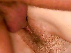 Chubby avó apreciar o sexo duro