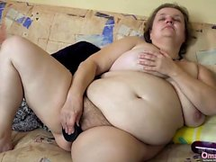 OMAHOTEL BBW mature grannies masturbating with toys