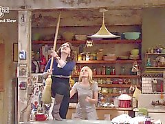Kat Dennings, Beth Behrs - 2 Broke Girls