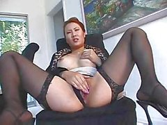 Asian secretary Sinnye Lang gets to suck and fuck bosses' cock